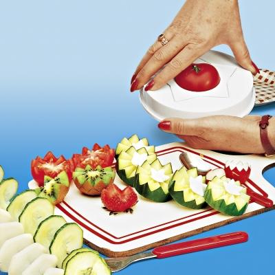 Des ustensiles magiques pour accueillir la belle saison for Decoupe fruit decoration
