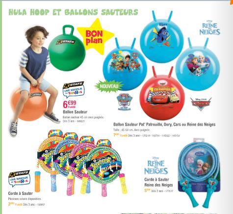 Tous les petits jouets de plein air.