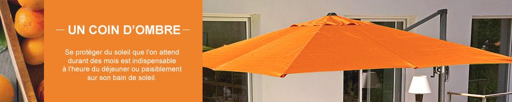Un coin d'ombre avec les parasols et les tonnelles.